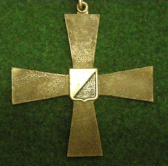 fi-award-4-cross