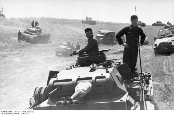 pzdiv-13-panzer3-east-1941