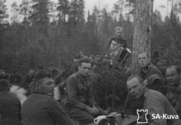 "6 дивизия СС ""Норд"" - Страница 2 Wss-6-fire"